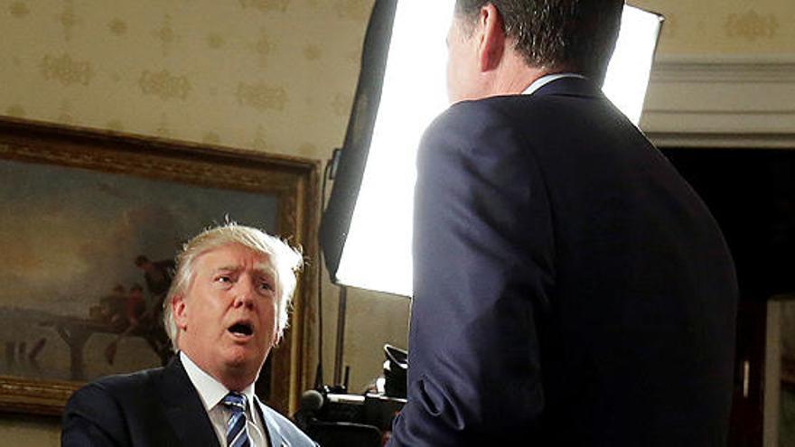 """Trump: """"Comey no estaba haciendo un buen trabajo"""""""