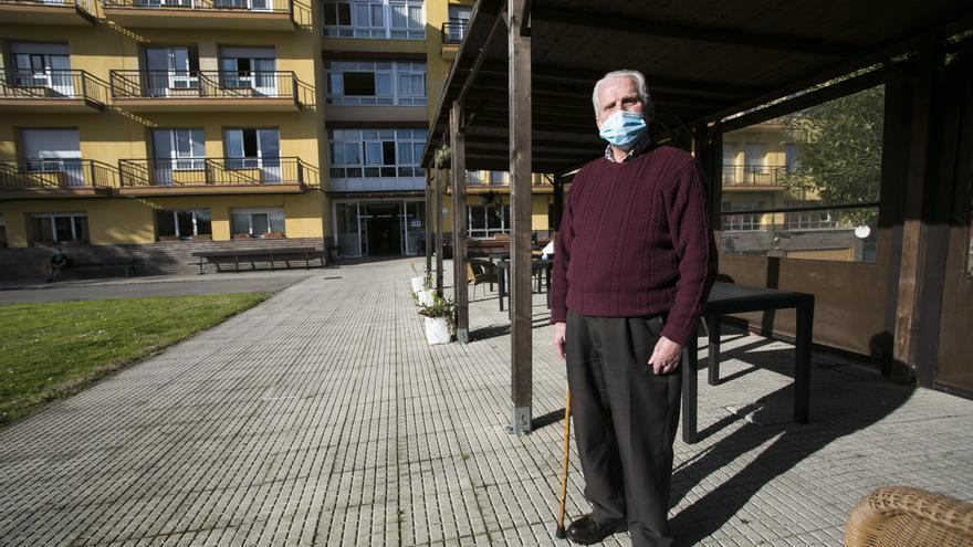 """Ignacio González, 87 años, residencia El Cristo (Oviedo): """"La pandemia nos enseñó a apreciar la libertad que teníamos antes"""""""