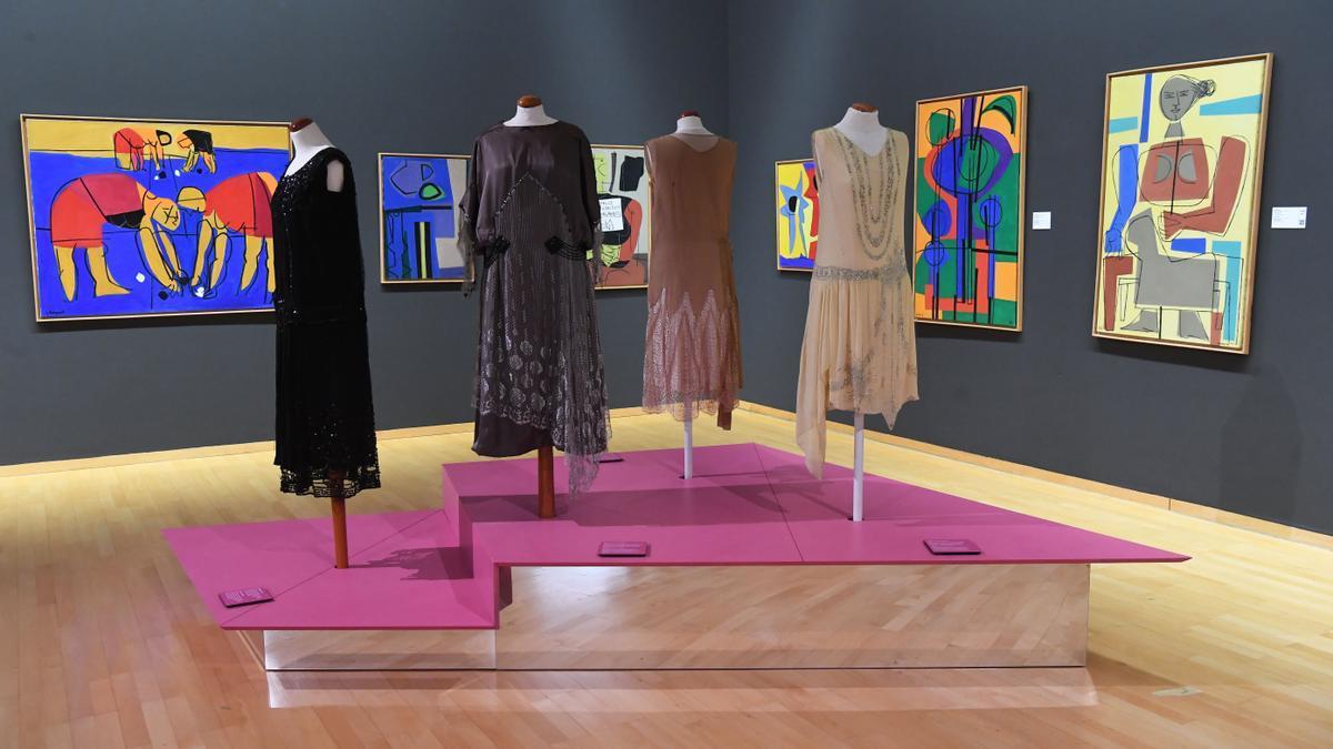 'Vestir Épocas. 1860-1960', viaje por la moda de la burguesía gallega