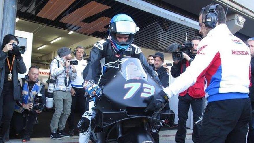 Àlex Márquez debuta con la Honda y se cae a las ocho vueltas