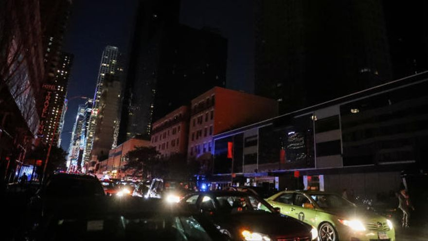 Un apagón deja sin electricidad a 72.000 personas en Manhattan