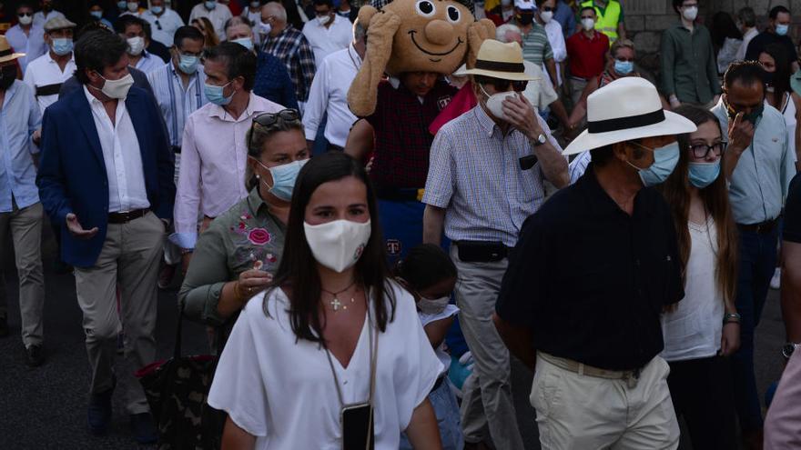 Un paseo hasta la plaza de La Malagueta para gritar que la tauromaquia es cultura