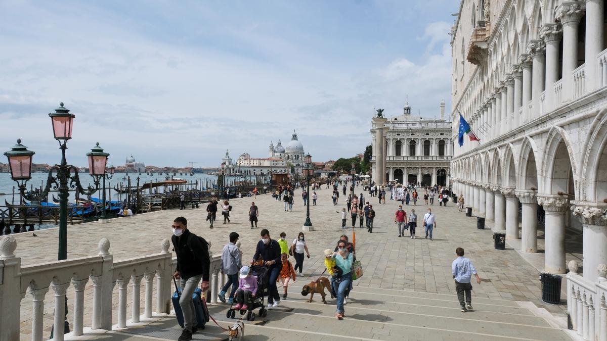 Turistas en Venecia.