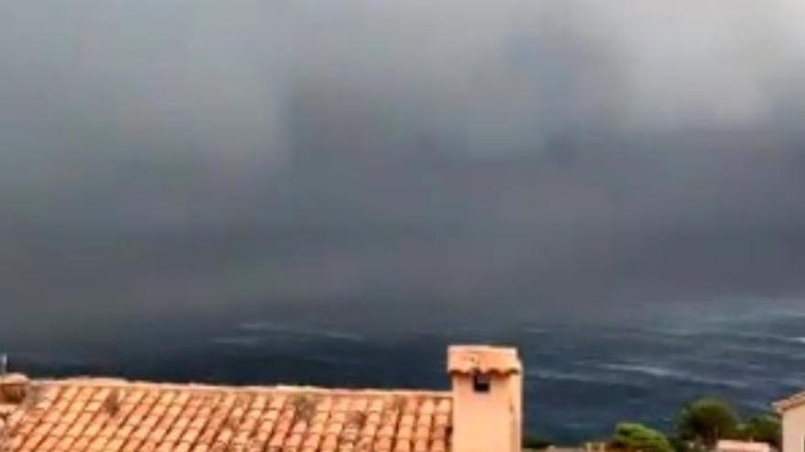 VIDEO | Así llegó la tormenta y el 'cap de fibló' a Banyalbufar