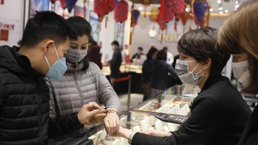 El coronavirus origina casos de racismo contra ciudadanos chinos en varios países