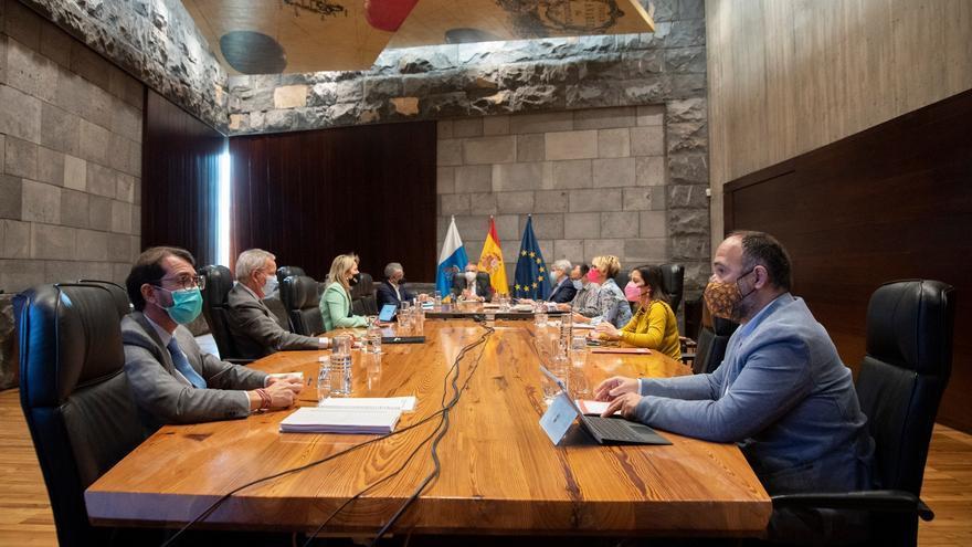 Directo | El Gobierno actualiza en Canarias las restricciones contra el coronavirus