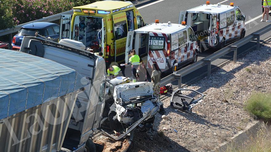Madre e hijo muertos y siete heridos en el accidente múltiple de Cieza