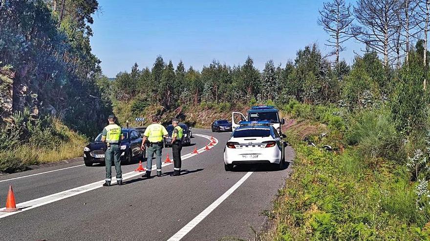 Fallece un motorista de la Guardia Civil en Catoira que iba en auxilio de un accidente