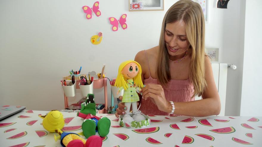 El arte de las muñecas de goma eva