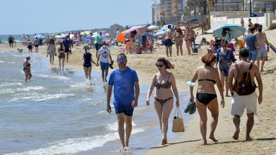 Ni salvamento ni socorrismo en las playas de Elche