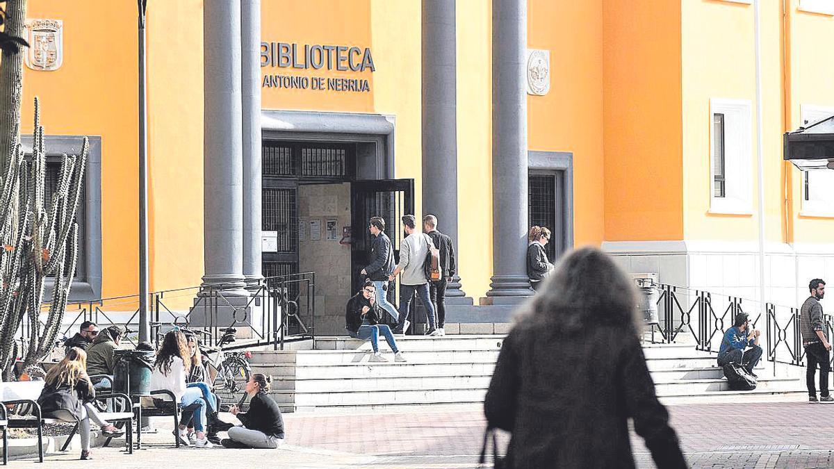 Biblioteca Antonio Nebrija en el campus de La Merced de la UMU.