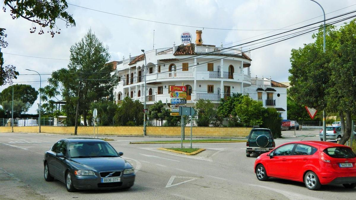 Vista del antiguo hotel María Luisa de Rute, que se convertirá en residencia de mayores.