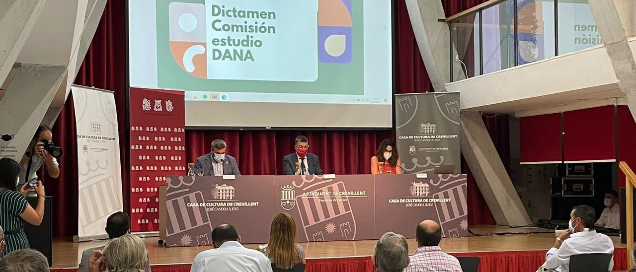 Presentación en Crevillent del dictamen de la comisión DANA.