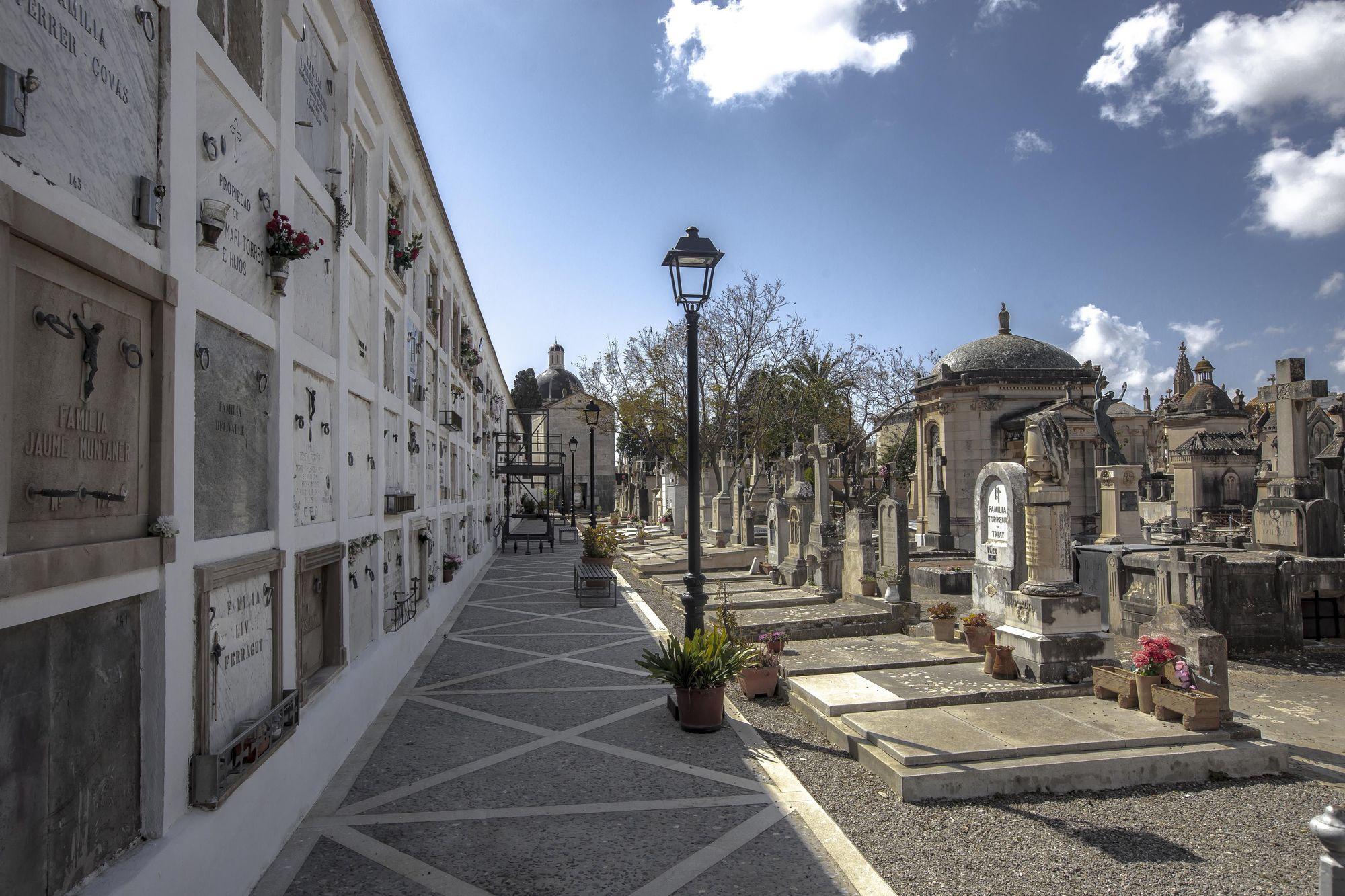 El cementerio de Palma acumula dos siglos de historia y arte