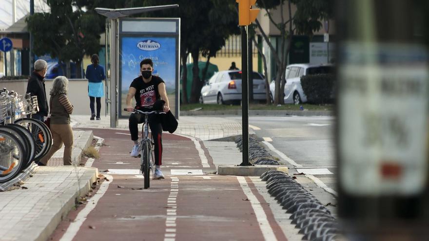El Ayuntamiento de Málaga señalará en la acera el carril bici del paseo marítimo Pablo Ruiz Picasso