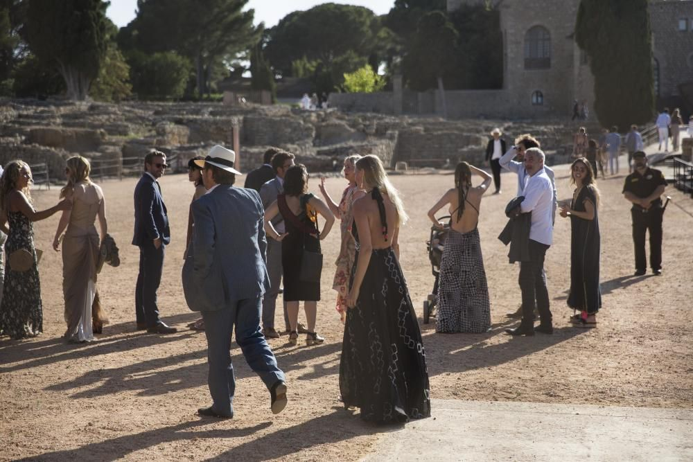 Les fotos del casament del milionari nord-americà a Empúries