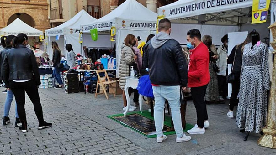 """""""Gran respuesta"""" de los clientes en la Feria del Sotck y Pequeño Comercio de Benavente"""