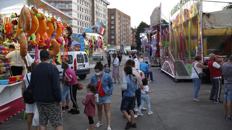 La Calzada comienza la feria de Santiago con atracciones en la calle Ruiz