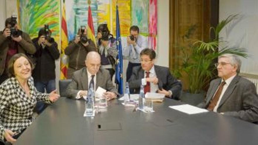 """Aliaga afirma que el resultado del referéndum """"da solvencia"""" a la reestructuración"""