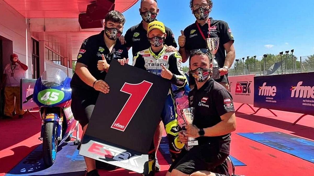 Carlos Cano celebra su victoria en Montmeló. | H43 TEAM