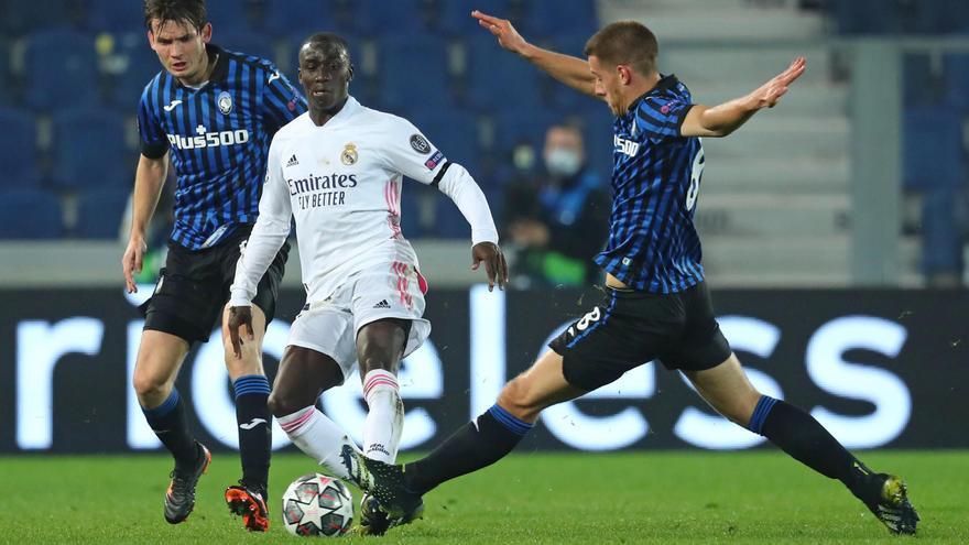 Mendy, en una acción del Atalanta-Real Madrid.