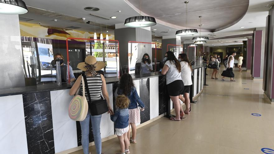 Los hoteles encabezan en Castellón las ayudas al turismo por el covid