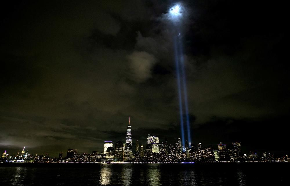 USA-SEPT11/NEW YORK-LIGHTS