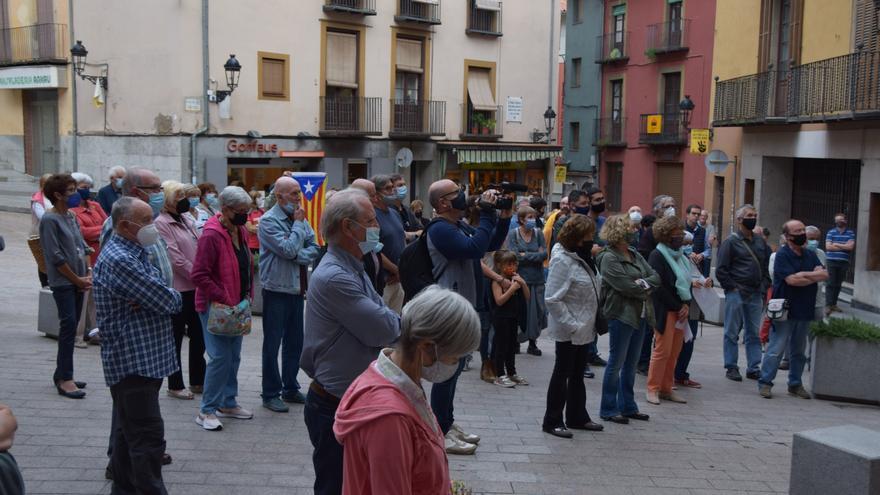 Més de 150 persones es manifesten a Berga contra la detenció de Puigdemont