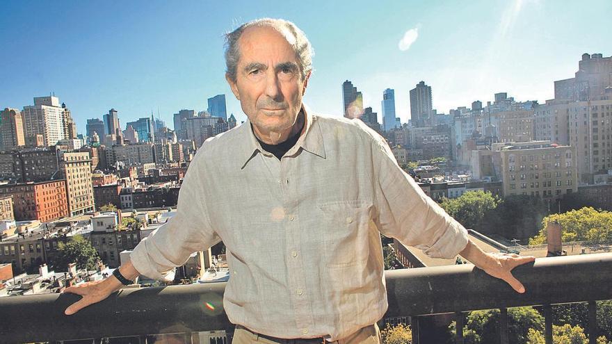 Paralizan la publicación de la biografía de Philip Roth por las acusaciones de abusos sexuales contra el autor