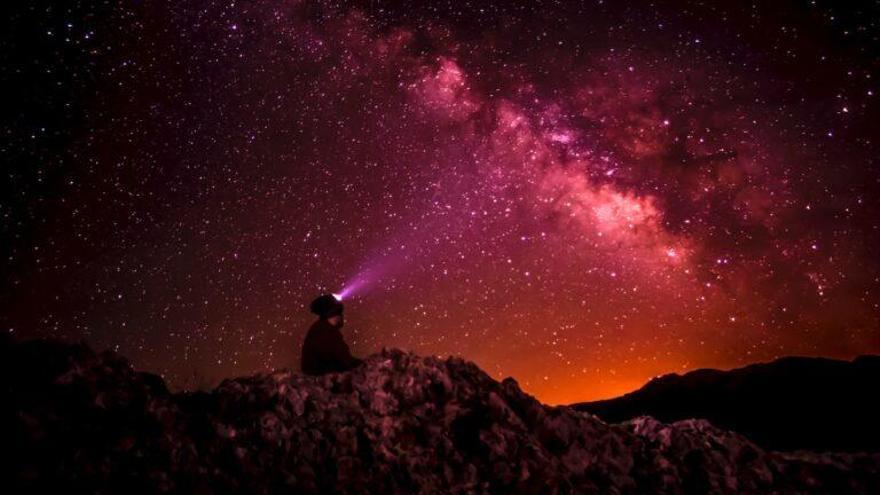 Una partícula de materia oscura estaría escondida en los rayos X de las estrellas de neutrones