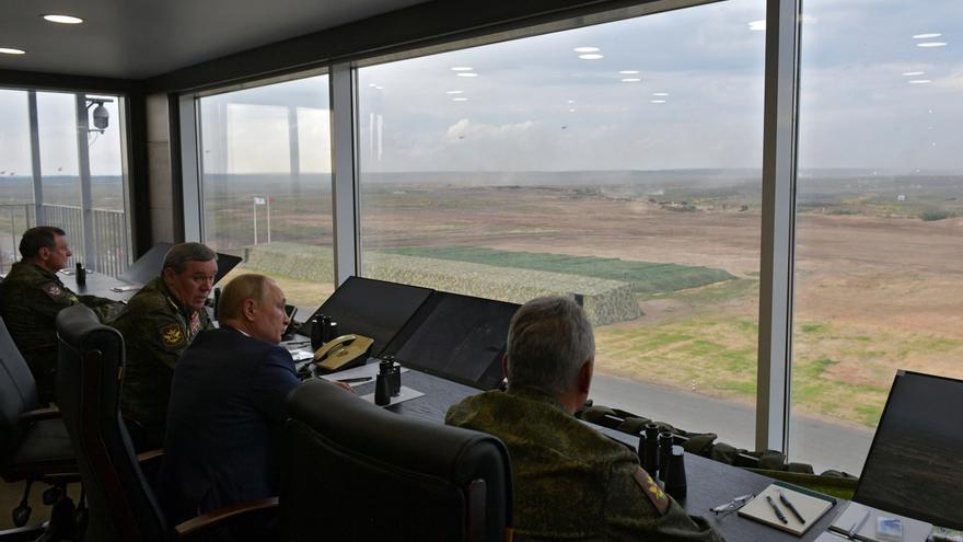 Las claves de las elecciones en Rusia: Putin reparte millones a pensionistas, cadetes y militares