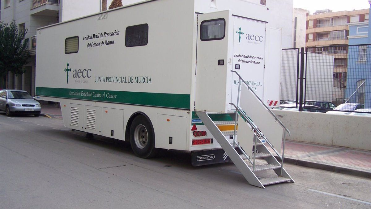 Unidad móvil de prevención del cáncer de mama