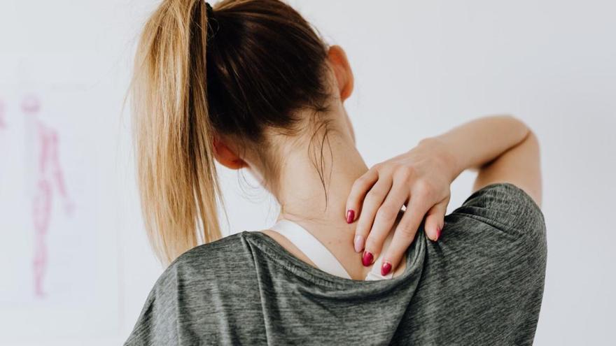 ¿Podemos evitar el dolor de espalda provocado por el teletrabajo? (Escucha el pódcast)