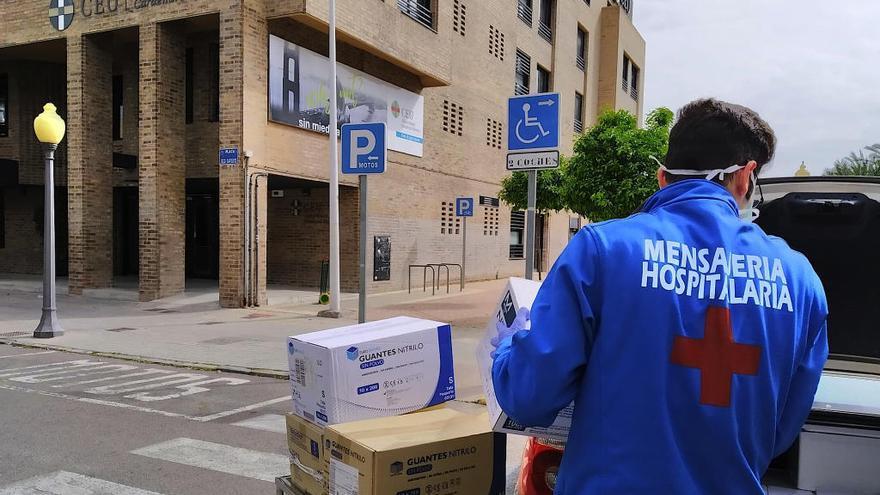 El CEU entrega todo su material de protección a la Conselleria de Sanidad