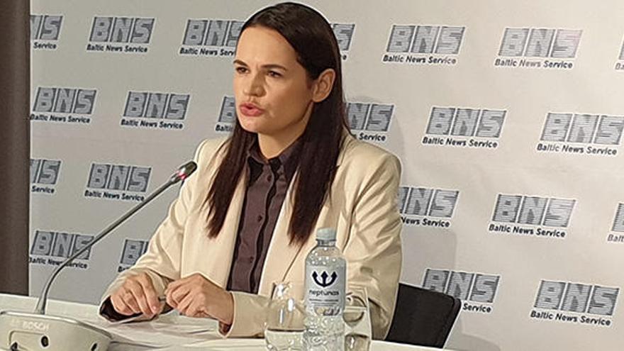 """La oposición bielorrusa se plantea la 'vía venezolana' de la """"dualidad de poder"""""""