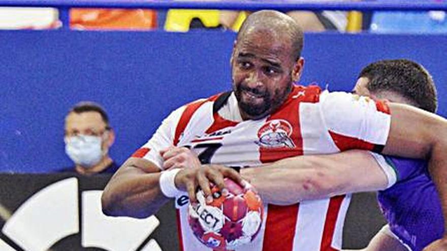 Un último empate del Fertiberia condena al BM Guadalajara