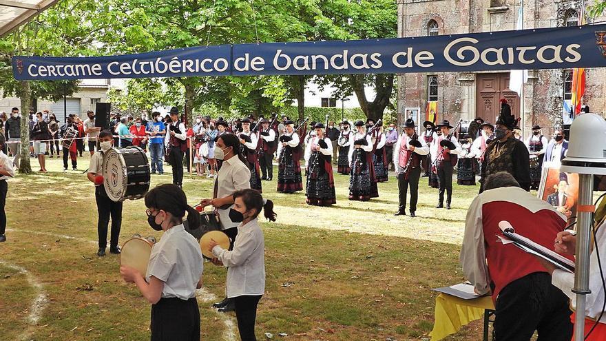La fiesta de la gaita vuelve en Cea, con triunfo de las bandas de Xinzo