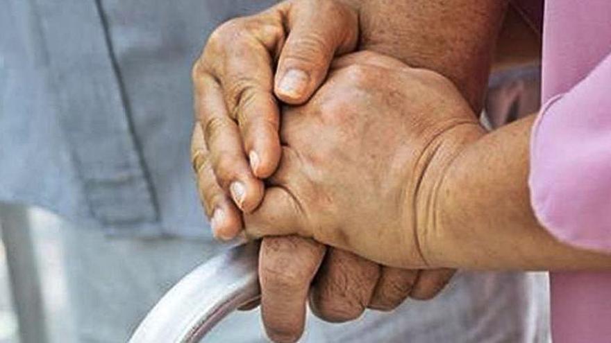 Prevenir casos de soledad, objetivo principal del nuevo contrato de ayuda a domicilio