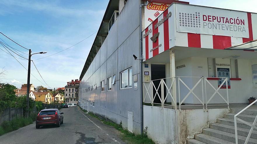 El Concello de Cangas revisará el convenio con el Alondras para deshacerse del campo de fútbol