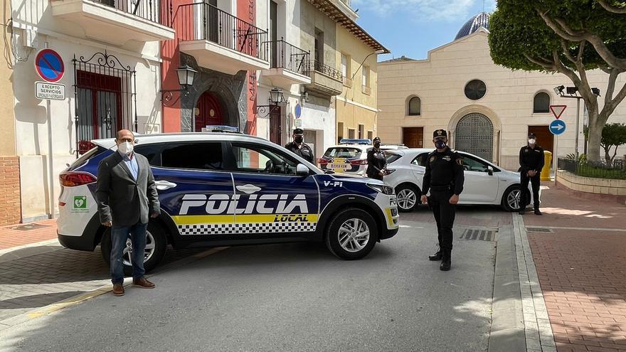 La Policía Local de San Fulgencio evita dos robos en la urbanización La Marina y en una zona comercial