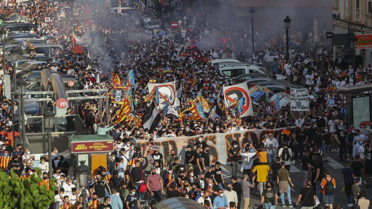 Una imagen de la manifestación contra la propiedad del Valencia CF