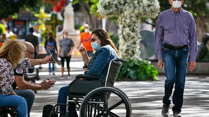 Canarias encadena dos días sin muertes, pero suben los ingresos