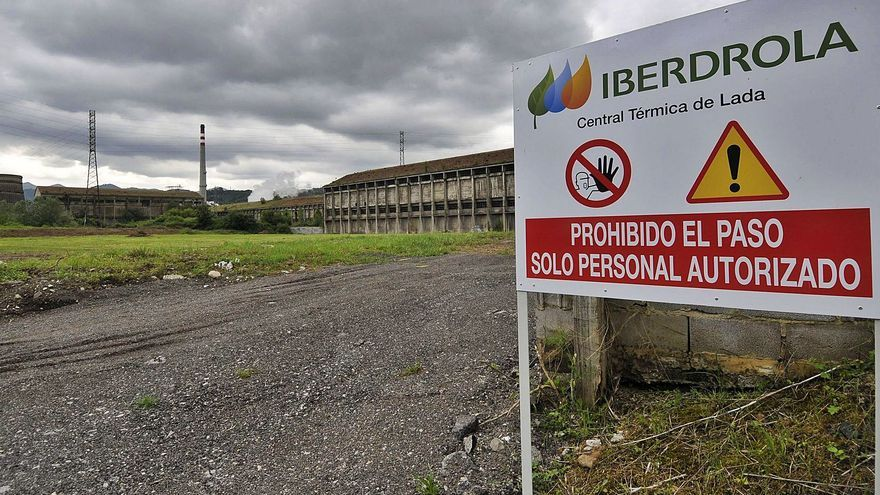 El Ayuntamiento insiste en que Iberdrola descontamine el suelo sin uso de Nitrastur