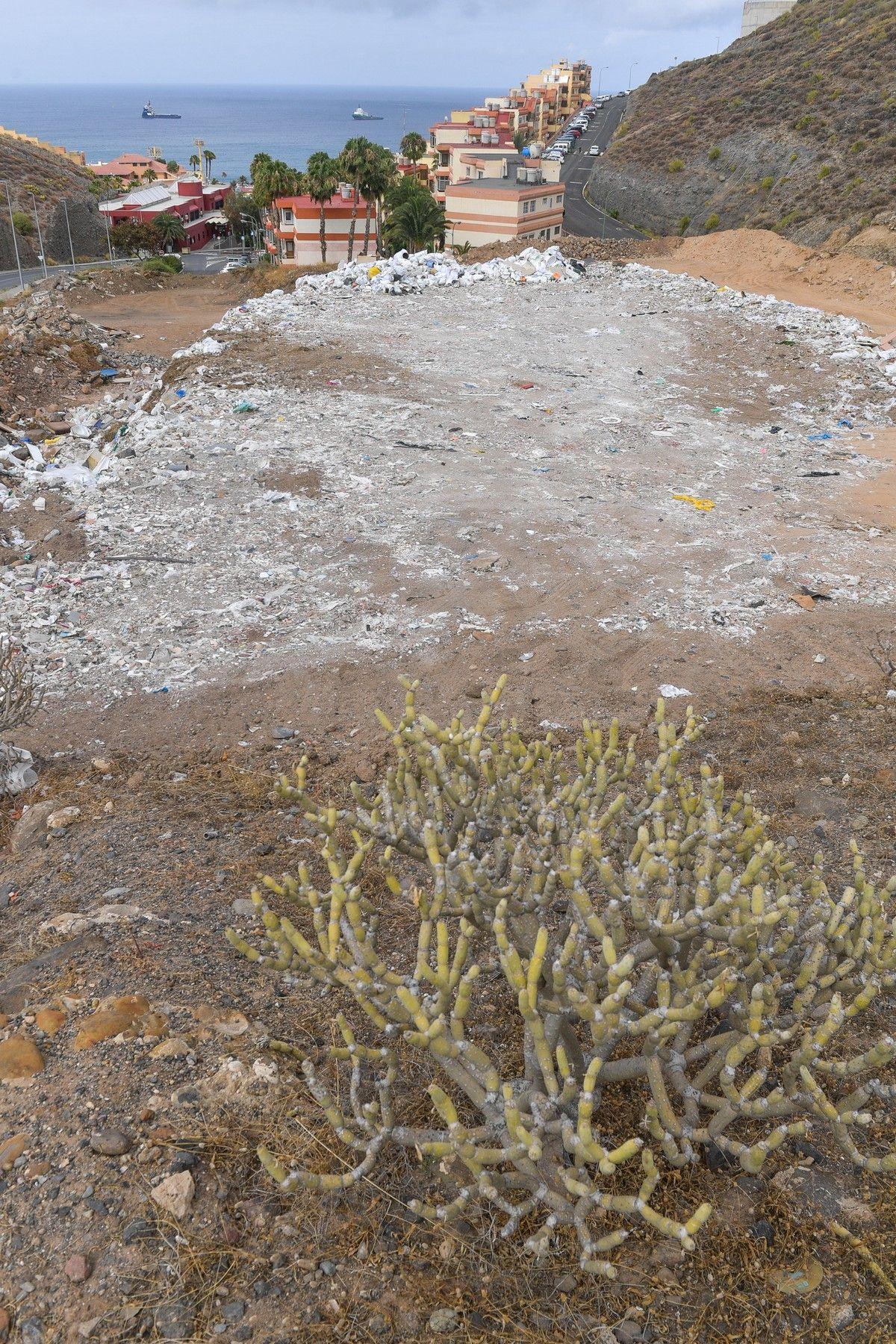 Escombrera en El Lasso