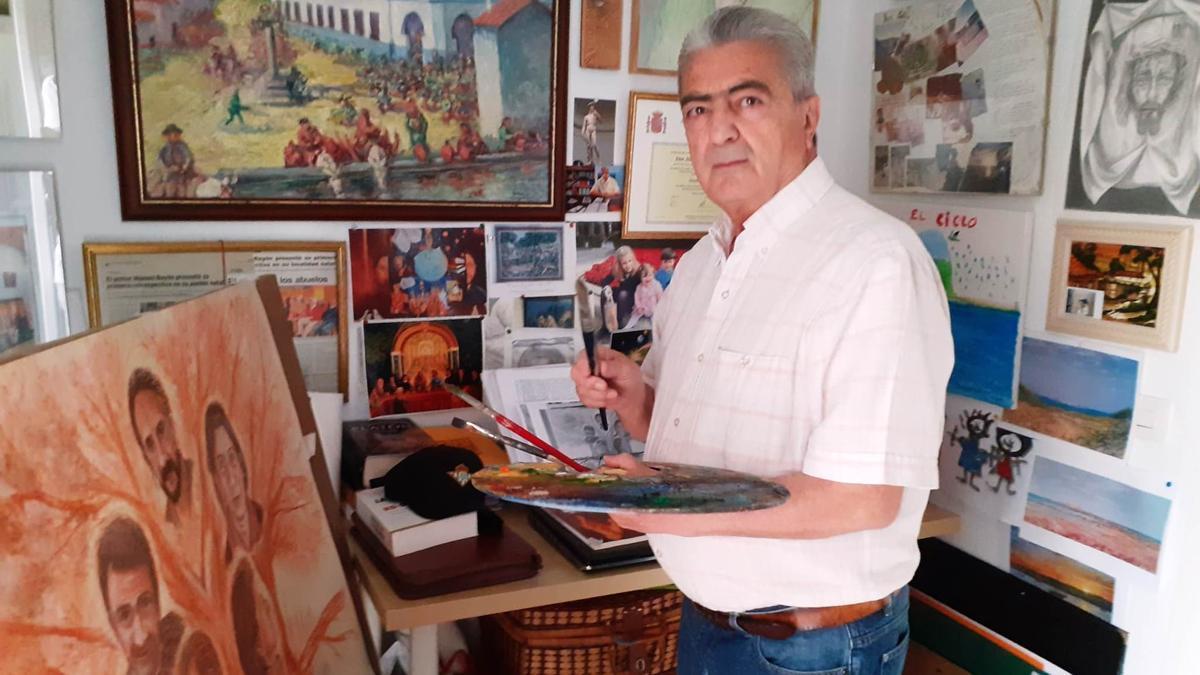 Manuel Bauyón Torres en su estudio de Sevilla