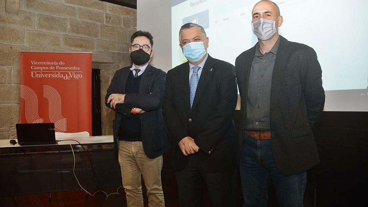 Jorge Soto, Ernesto Pedrosa y Carlos Souto, ayer en la Casa das Campás.    // RAFA VÁZQUEZ