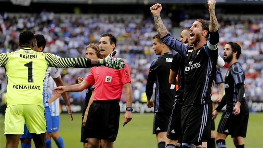 El Real Madrid se proclama campeón de Liga tras vencer en Málaga (0-2)