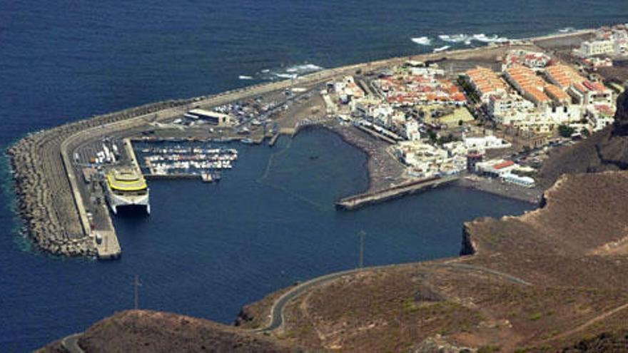 El puerto de Las Nieves entra a debate en el Cabildo