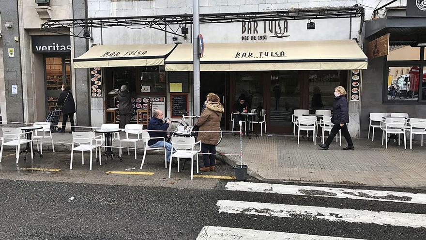 El Govern dejará que los bares y restaurantes abran hasta las 17 horas