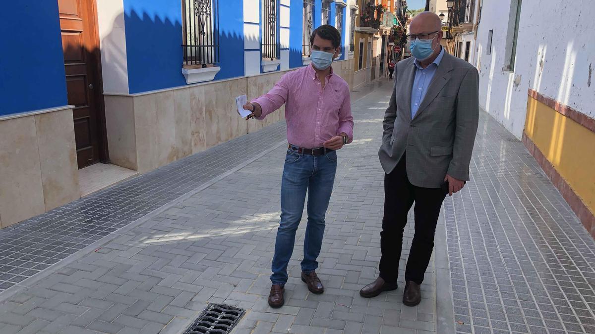 Fernando Priego y Alfonso Vergillos, en la calle Juan Grande.